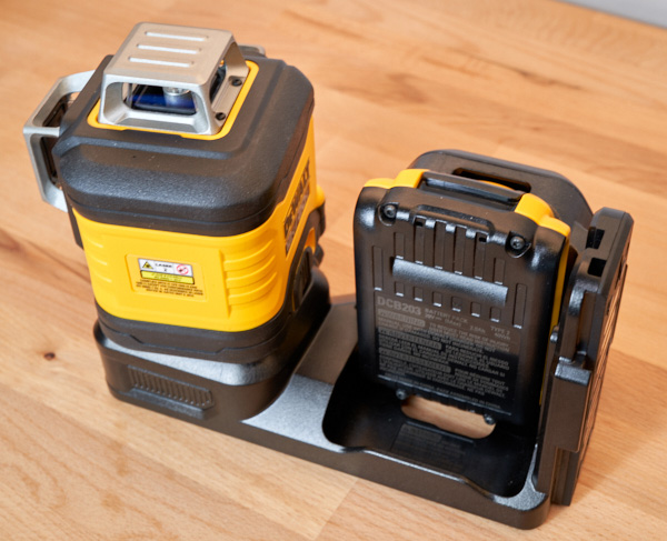 Dewalt 20V Max 3x360 Green Line Laser Battery Compartment
