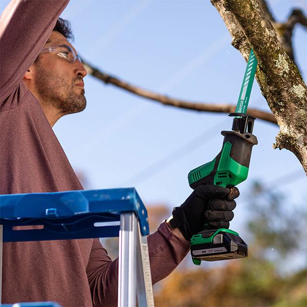 Metabo HPT CR18DAQ4 Compact Reciprocating Saw Cutting Tree Branch