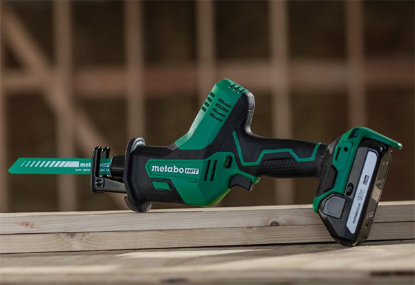 Metabo HPT CR18DAQ4 Compact Reciprocating Saw with Blade and Battery