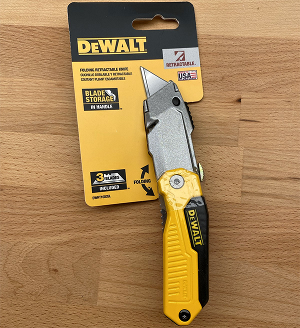 Dewalt Folding Retractable Utility Knife DWHT10035L Packaging