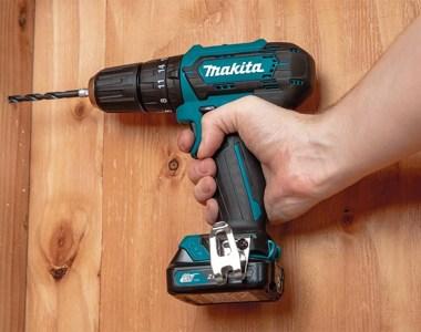 Makita PH06R1 12V Hammer Drill Drilling into Wood