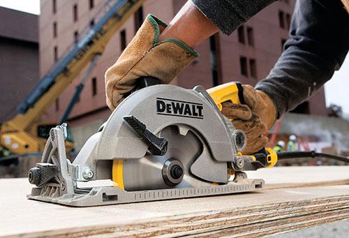 Working on DEWALT DWS535