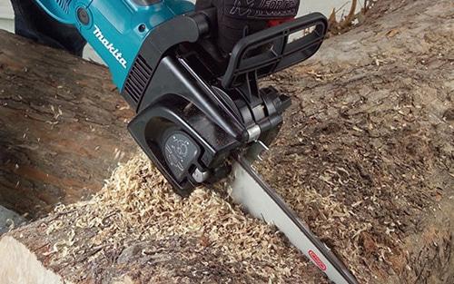 Makita UC4051A wood cutting