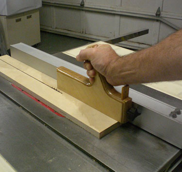 How to Prevent an Injury when Using a Table Saw