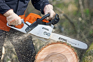 Battery powered chainsaw