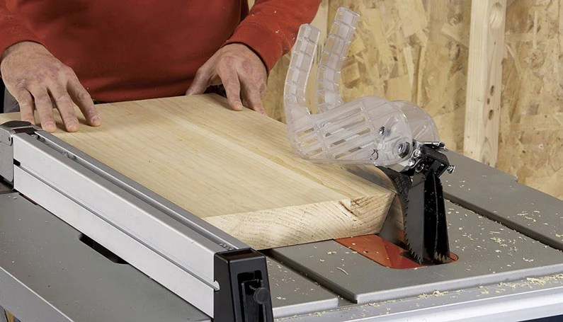 Cutting wood with Bosch table saw