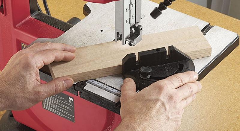 SKIL 3386-01 cutting wood