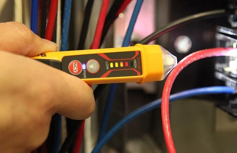 Working-Light-and-Voltage-Tester
