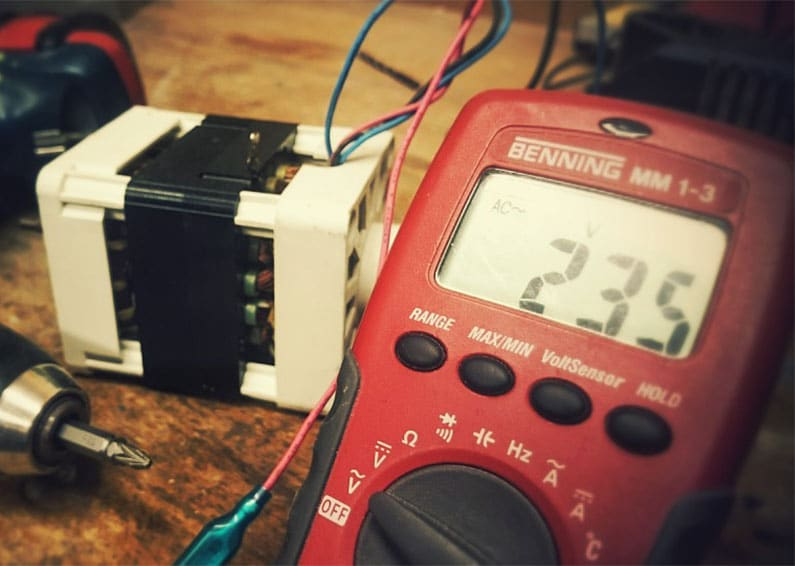 Learn How to Use A Multimeter to Test AC Voltage