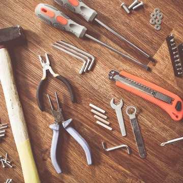 Hoy sábado! Tus manualidades de fin de semana te esperan! #tools #sabado #disfruta #trabaja #lovewhatyoudo #tools #obra #manualidades #bricolaje #bricoman #bricocrack #herramientas #herramientastaller #barcelona
