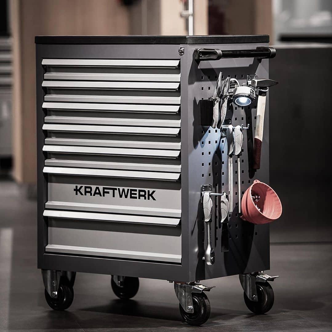 117167555 3249209651835261 7462412659652142677 n - Contamos con la más amplia variedad de carros de herramientas para taller, garage y equipos de competición. En este caso te mostramos el modelo B117  Descúbrelos en nuestra tienda online.  @kraftwerktools• • • •Art. 101.117.000 #kraftwerktools #myfavoritetools #toolcabinet #werkzeugwagen #werkstatt #tools #handtools #inlays #einkagen #new #brandnew #taller #herramientasprofesionales #herramientas #garageprivado #carroherramientas #ofertas