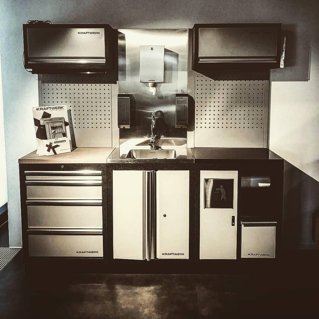 153485635 431505424725487 4197755153779529967 n - Nuevo módulo con pica lavamanos de inox y grifo con panel posterior. Es lo que necesitas en tu garage!  @kraftwerktools• • • • • •#kraftwerktools #sink #kitchen #tools #instagood #love #besttools #kraftwerk #muebledetaller #mobiliariotaller  #bancodetrabajo #carrodetaller #carroherramientas #herramientas #herramientasprofesionales #protools
