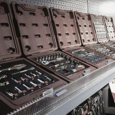 La variedad más grande de maletines profesionales y estuches de herramientas encuéntralas en tools4us.es #herramientas #maletin #herramientasindustriales #herramientasprofesionales #herramientas #taller #industria #industrial