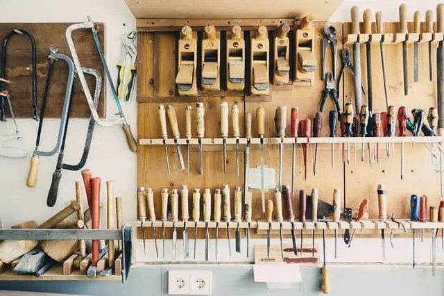 Best Woodworking Tools for Beginners