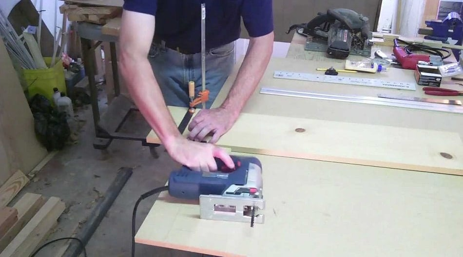 How to Use A Jigsaw to Cut A Straight Line