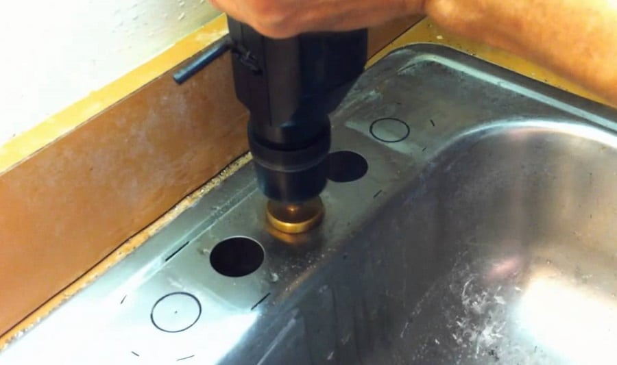 How to cut a hole in stainless steel sheet