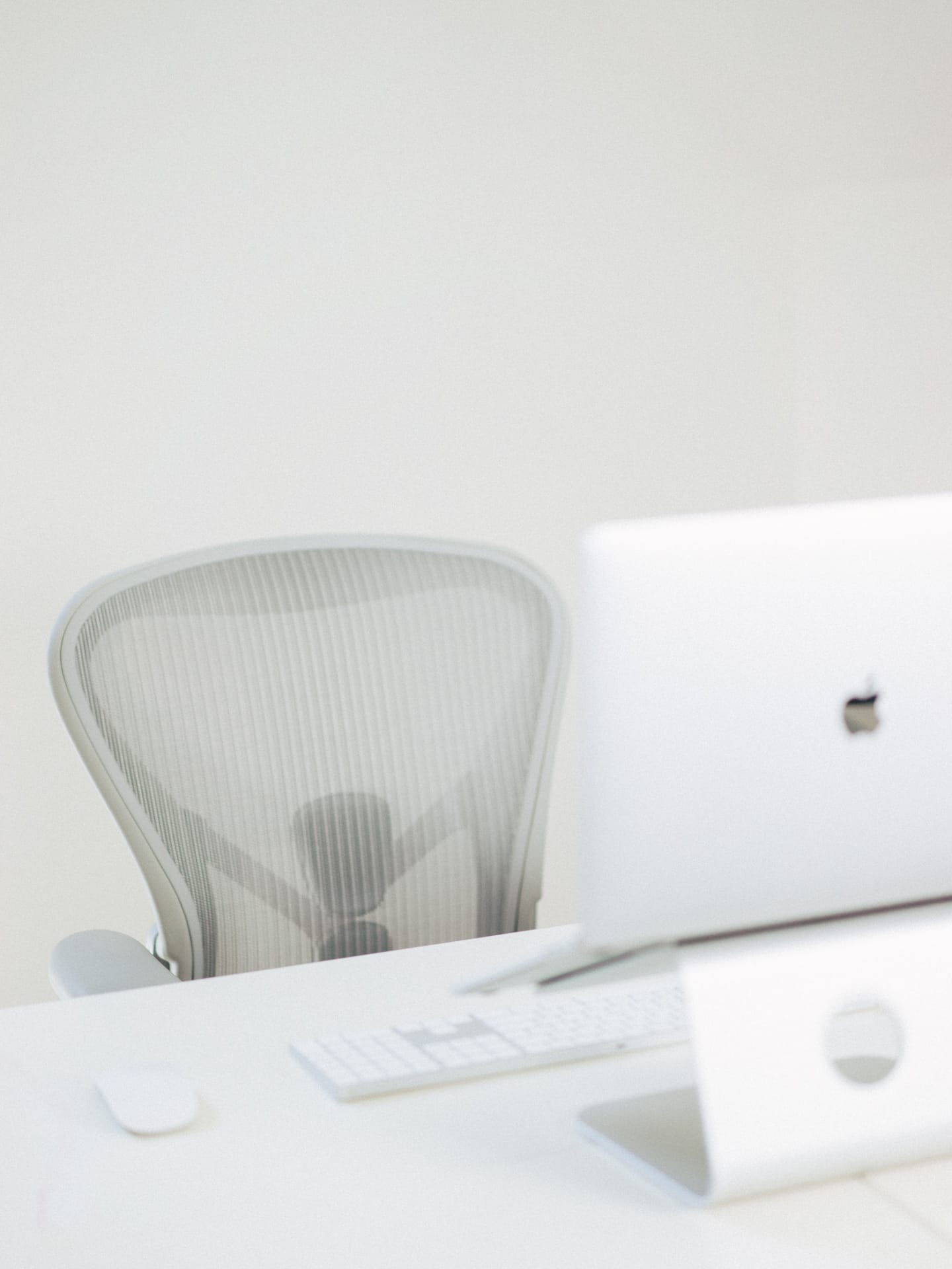 aeron chair review 2016 anti gravity lounge a of the remastered herman miller office