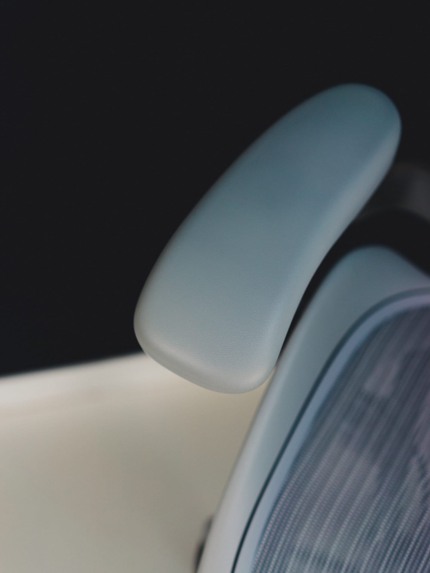 aeron chair review 2017 back pillow for office philippines a of the remastered herman miller
