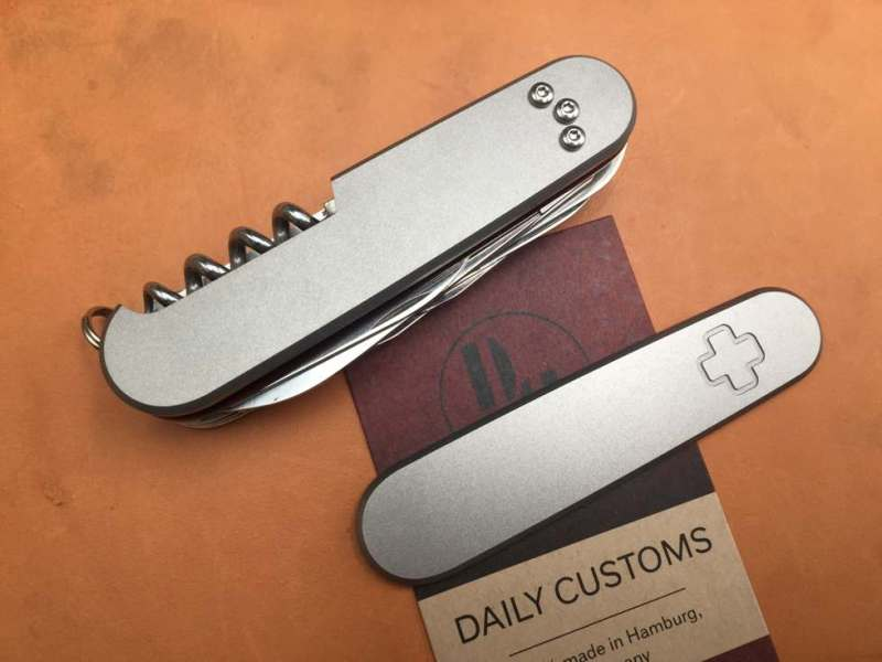 daily_customs_91.2_titanium