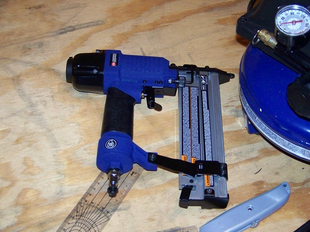 Campbell Hausfeld 5 Piece Nail Gun Set
