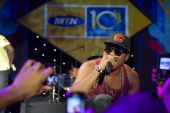 Naeto-C-cheers-the-Crowd-4