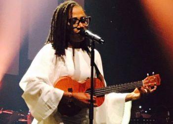 "Asa Declares Herself A Marlian, Gives Insane Dance Steps To Naira Marley's ""Tesumole"" « tooXclusive"