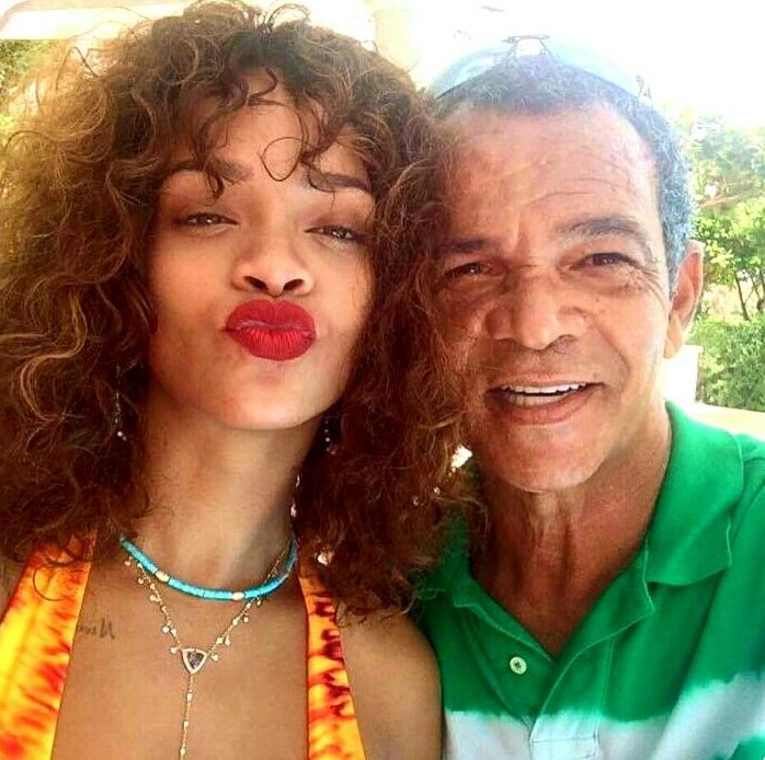 Rihanna's Dad Shares How The Singer Saved His Life With A Ventilator After He Tested Positive For The Coronavirus « tooXclusive