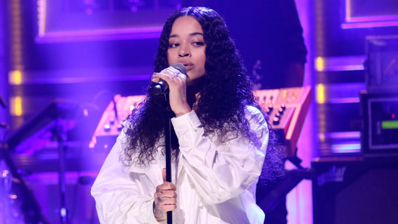 "British Singer, Ella Mai Speaks On Working With Wizkid For ""Made In Lagos"" « tooXclusive"