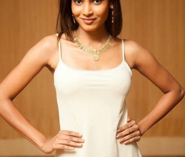 Hot Sinhalese Girl Iresha Asanki De Silva Photo