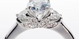 perhiasan berlian
