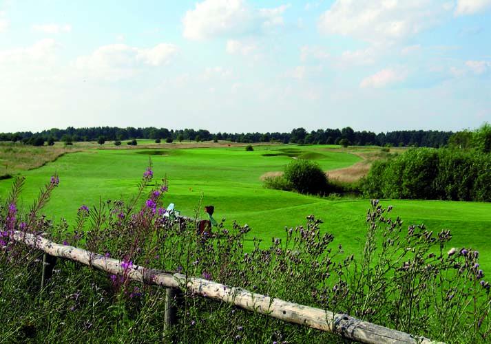 Prenden (4) Golfplatz im Naturpark (m. Zaun)20050725_0085x