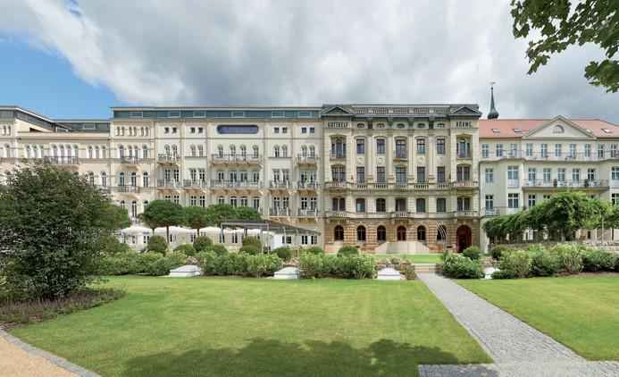 Festlich wiedereröffnet: Das Hotel Elbresidenz an der Therme Bad Schandau - Foto: Bernhard Strauss