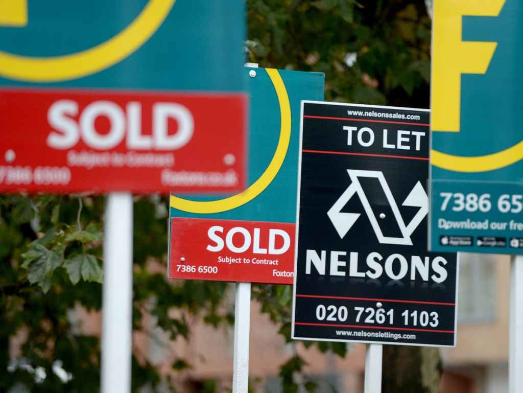 Plan to link mortgages to green standards will hurt first-time buyers, government warned