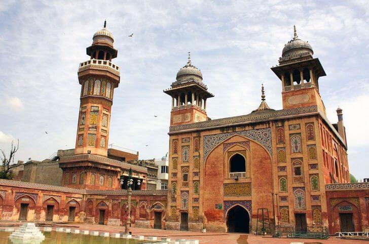 Мечеть Вазир Хана.