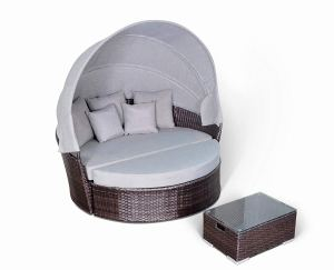 Yoto Rattan Victoria Outdoor Wicker Rattan Patio Daybed