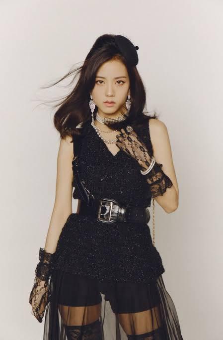 Jisoo (Black Pink)