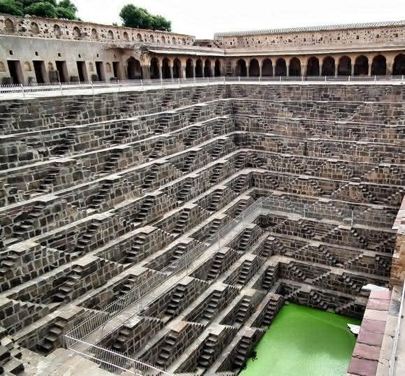 escada india