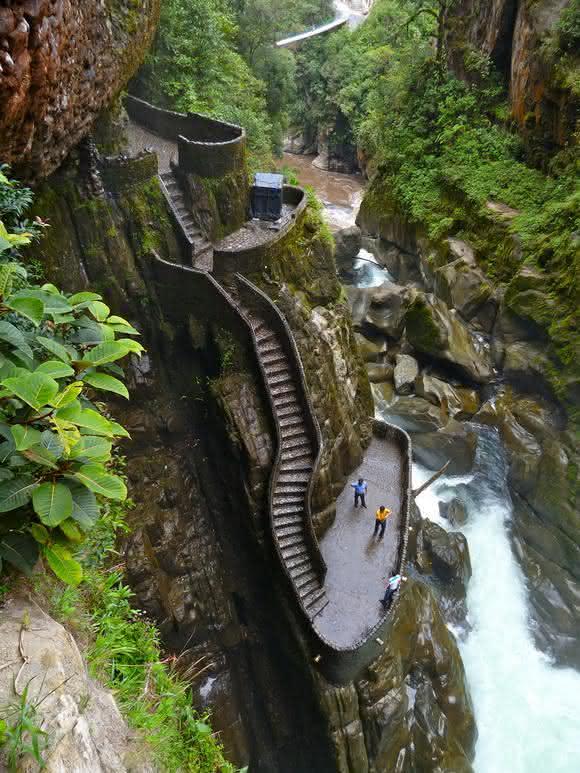 escadas no canyon equador