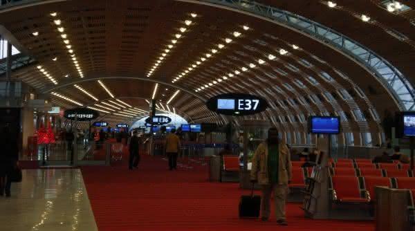 airport Charles de Gaulle