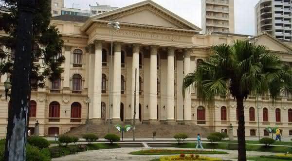 Universidade Federal do Parana uma das maiores faculdades do Brasil