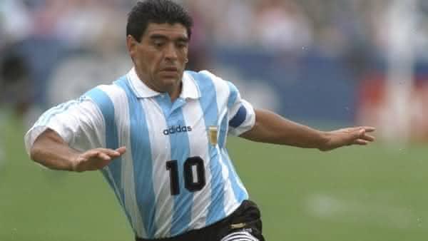 diego maradona melhores jogadores de futebol de todos os tempos