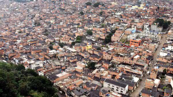 Paraisopolis uma das maiores favelas do brasil