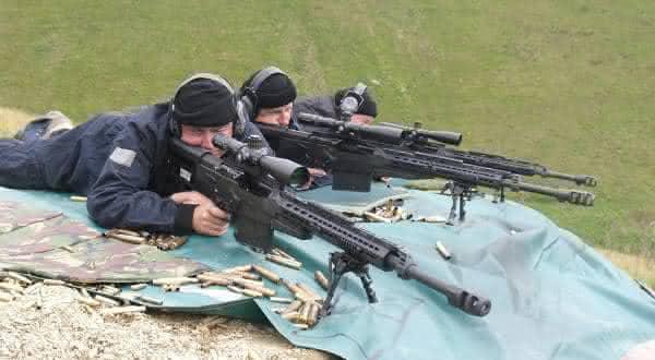 Accuracy International AS50 Sniper Rifle armas mais perigosas