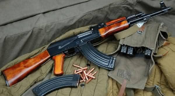 Kalashnikov AK-47 Assault Rifle armas