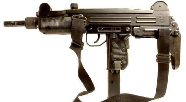 Uzi Submachine Gun  entre as melhores armas