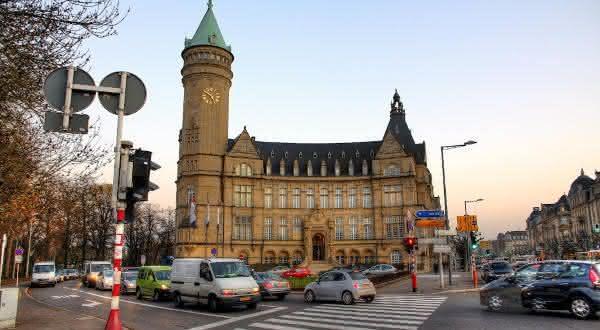 luxemburgo entre os paises com mai carros no mundo