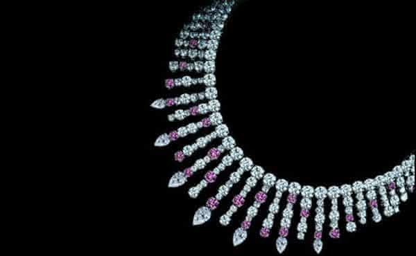 LEVIEV FANCY PINK AND WHITE DIAMOND NECKLACE entre os colares mais caros do mundo