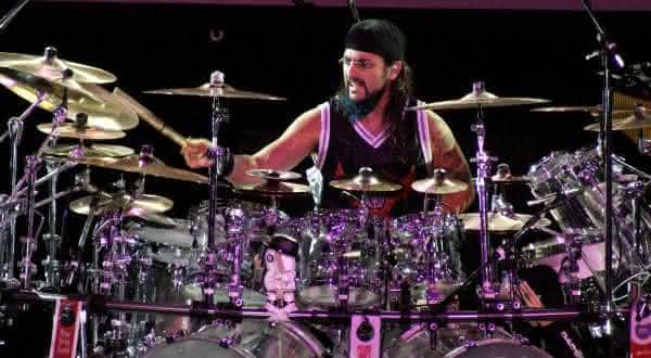 mike portnoy entre os melhores bateristas de todos os tempos