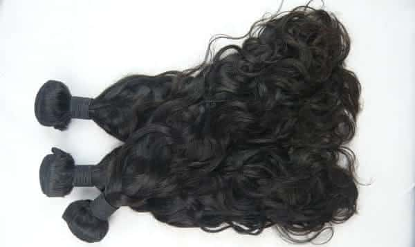 vender cabelo humano entre as estranhas maneiras que as pessoas ganham dinheiro