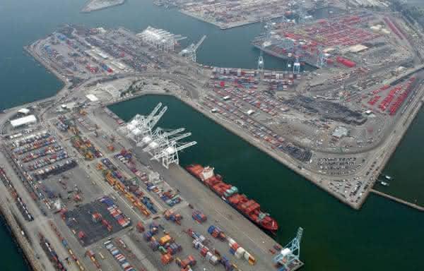 Busan entre os maiores portos do mundo